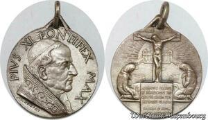 S9266 Médaille Vatican Pius Pie XI Pont Max 1933 Christ Crusifixion Silvered